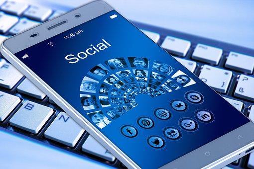 Jak bezpiecznie korzystać z mediów społecznościowych?